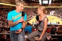 Stefan Kretzschmar mit Moderatorin Anett Sattler von SPORT1