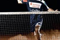 Benjamin spielt als Ausgleich zum Handball gerne Tennis.